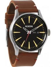 Nixon A105-019 Sentry cuero marrón reloj negro